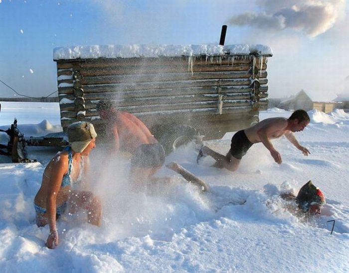 Snow rolling after a sauna
